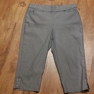 Christopher & Banks plaid Capri pants Size Small